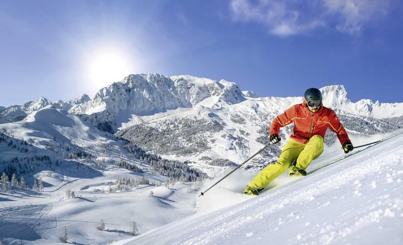 Skifahren im Winter am Nassfeld
