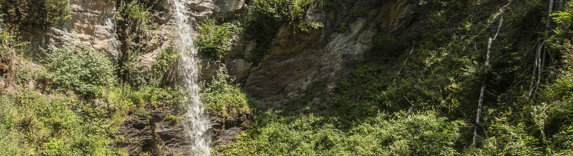 Treffen in der Region Villach mit dem Finsterbach Wasserfall