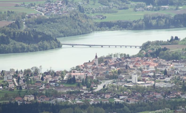 Völkermarkt mit Stauseebrücke