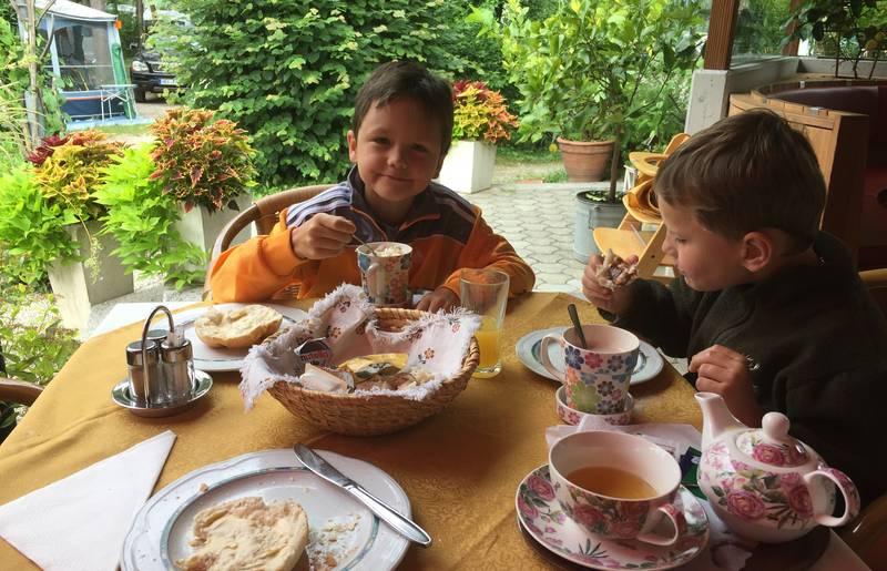 Frühstück am Camping Anderwald